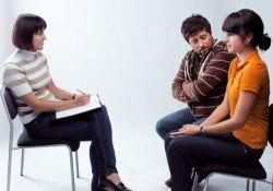 молодая пара пришла к психологу